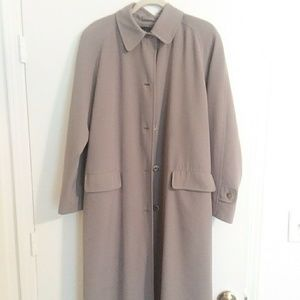 Gallery Women's Tan Full coat